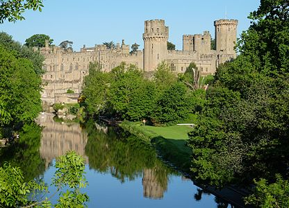 Warwick Castle visited by Sisi's son Rudolf.